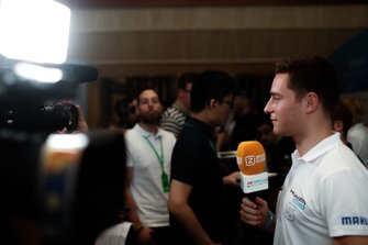 Stoffel Vandoorne, HWA Racelab talks to the press
