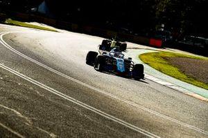 Robert Kubica, Williams FW42, leads Daniel Ricciardo, Renault F1 Team R.S. 19