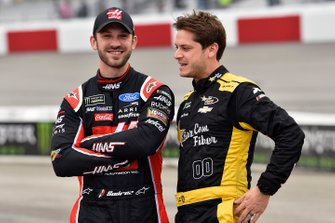 Daniel Suarez, Stewart-Haas Racing, Ford Mustang Haas Automation and Landon Cassill, StarCom Racing, Chevrolet Camaro Superior Essex