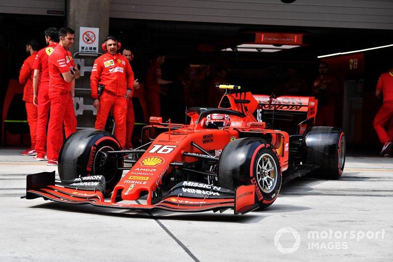 Charles Leclerc, Ferrari SF90, esce dal box