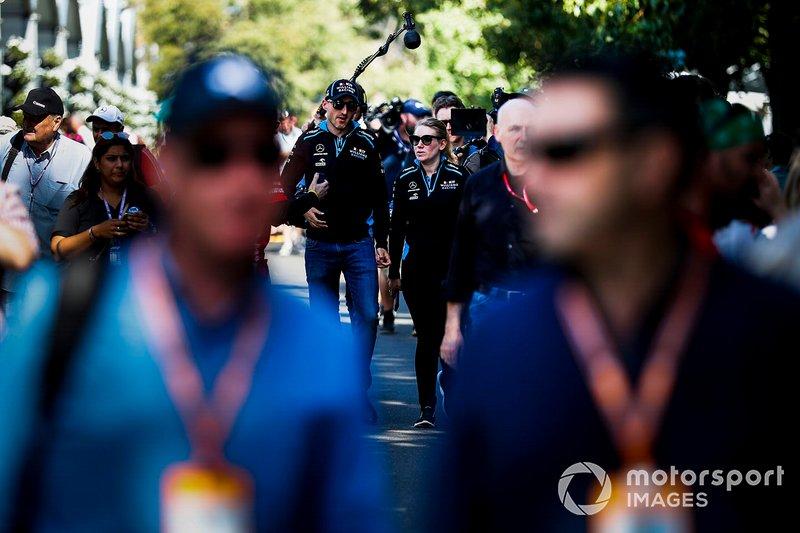 Robert Kubica, Williams Racing y Sophie Ogg, jefa de comunicación de Williams Racing