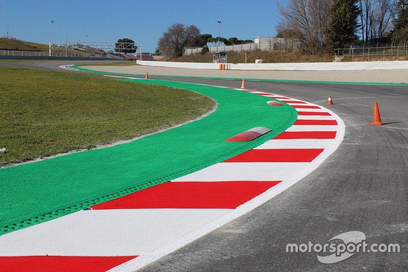 Detalles de los bordillos en las curvas 5 & 7, La Moreneta