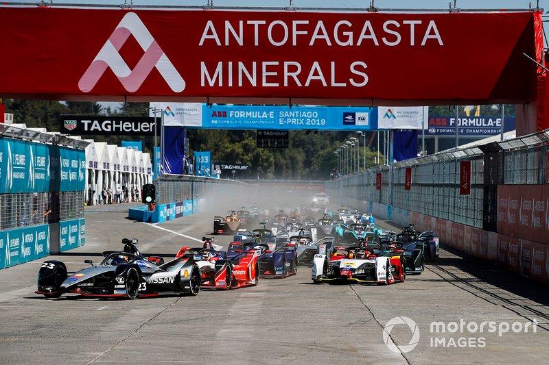 Arrancada Sébastien Buemi, Nissan e.Dams, Nissan IMO1, Pascal Wehrlein, Mahindra Racing, M5 Electro y Daniel Abt, Audi Sport ABT Schaeffler, Audi e-tron FE05