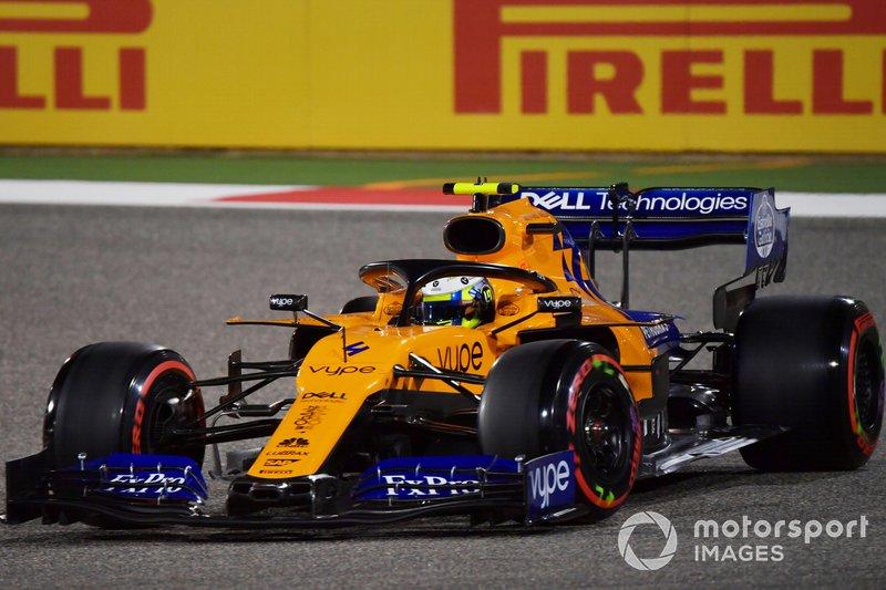 6. McLaren iki araçla da son bölümde
