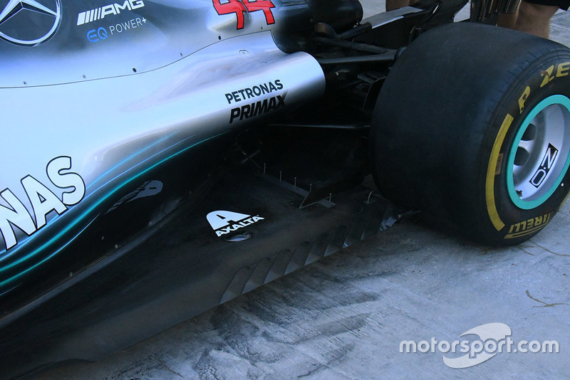 Mercedes AMG F1 W09 technical detail