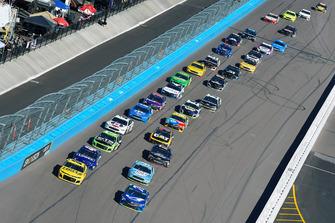Renn-Action auf dem ISM Raceway in Phoenix