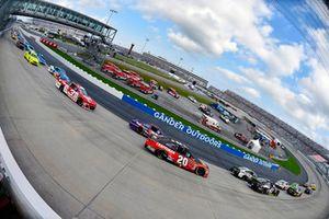 Erik Jones, Joe Gibbs Racing, Toyota Camry Craftsman e Denny Hamlin, Joe Gibbs Racing, Toyota Camry FedEx Express