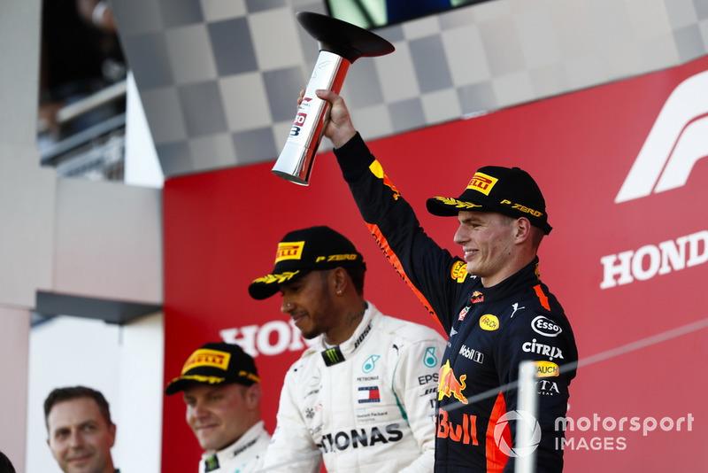 Podio: tercer lugar Max Verstappen, Red Bull Racing celebran