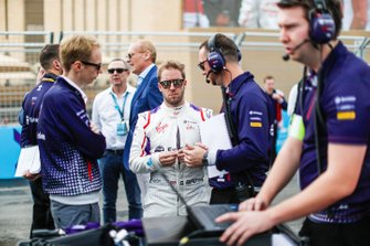 Sam Bird, Envision Virgin Racing chats with Sylvain Filippi, Managing Director, Envision Virgin Racing