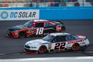 Austin Cindric, Team Penske, Ford Mustang Discount Tire and Ryan Preece, Joe Gibbs Racing, Toyota Camry Rheem-Smurfit Kappa