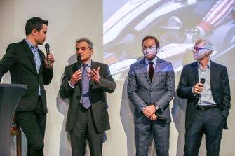 Serge Saulnier, Director de Circuit Magny-Cours, Jacques Villeneuve, co-fundador de Feed racing, Patrick Lemarie, co-fundador de Feed racing