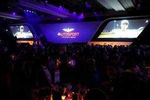 لويس هاميلتون بطل العالم في الفورمولا واحد ضمن رسالة فيديو لتلقيه جائزة أفضل سائق بريطاني