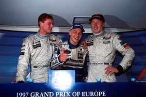 Persconferentie: David Coulthard, McLaren, Worldchampion Jacques Villeneuve, Williams, Racewinnaar Mika Hakkinen, McLaren