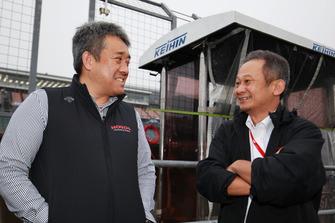 ホンダの山本雅史モータースポーツ部長と佐伯昌浩GTプロジェクトリーダー