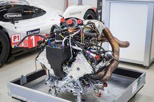 Porsche 919 Hybrid Evo engine