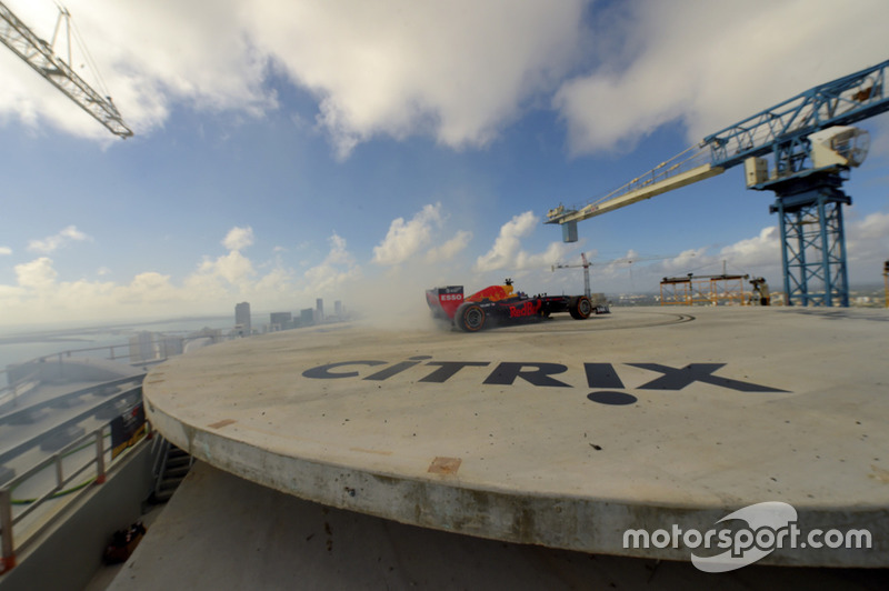 Showrun in Miami: David Coulthard, Red Bull RB7