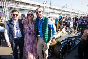 Guests on the grid with the car of Jean-Eric Vergne, DS TECHEETAH