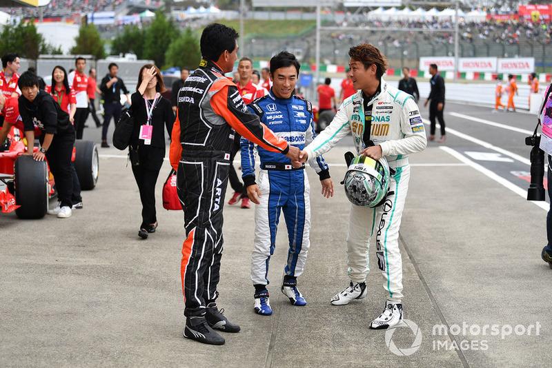 Агури Сузуки, Такума Сато и Хироки Ёсимото, Legends F1 30th Anniversary Lap Demonstration