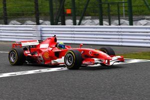 Felipe Massa, Ferrari, lors du tour de démonstration des Légendes