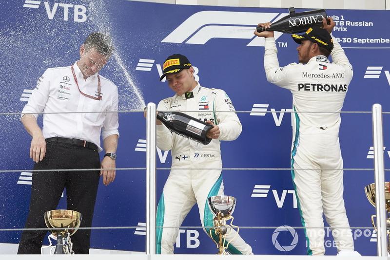 James Allison, Mercedes AMG F1, Valtteri Bottas, Mercedes AMG F1, Lewis Hamilton, Mercedes AMG F1