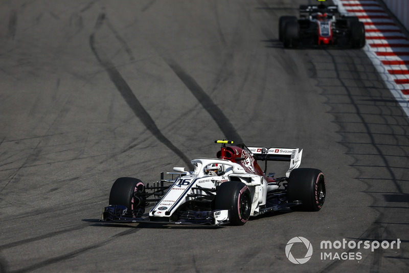 Leclerc celebrates Class B win