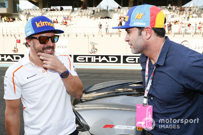 Fernando Alonso, McLaren, dan Jimmie Johnson, pembalap NASCAR