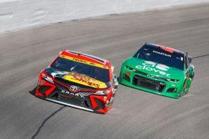 Martin Truex Jr., Joe Gibbs Racing, Toyota Camry Bass Pro Shops, Ross Chastain, Chip Ganassi Racing, Chevrolet Camaro Clover