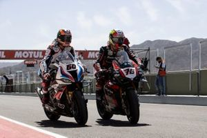 Michael van der Mark, BMW Motorrad WorldSBK Team, Samuele Cavalieri, TPR Team Pedercini Racing