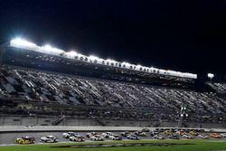 Ryan Blaney, Team Penske, Ford Mustang Pirtek leads