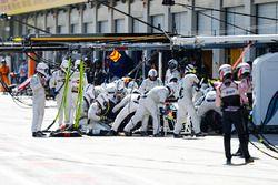 Lance Stroll, Williams FW41, lors d'un arrêt