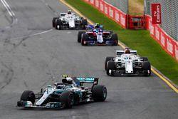 Valtteri Bottas, Mercedes AMG F1 W09, Marcus Ericsson, Sauber C37 Ferrari, Pierre Gasly, Toro Rosso STR13 Honda, anDrivers Charles Leclerc, Sauber C37 Ferrari