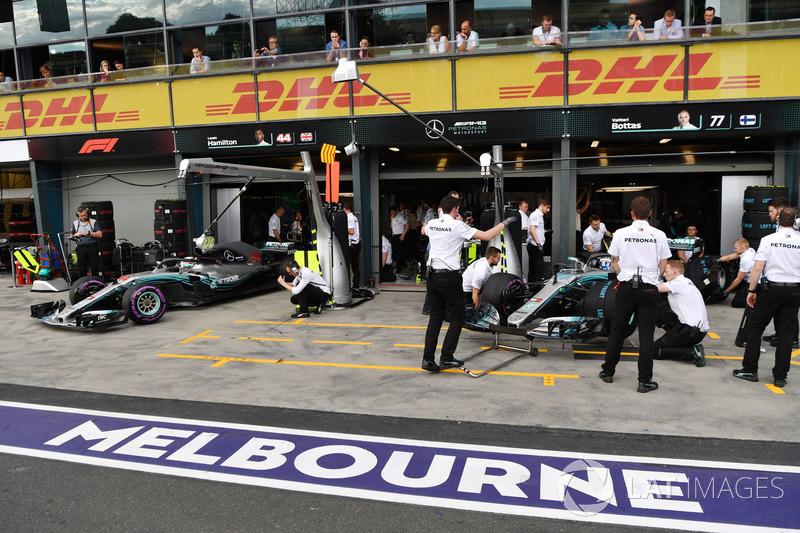 Lewis Hamilton, Mercedes-AMG F1 W09 y Valtteri Bottas, Mercedes-AMG F1 W09