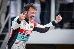 Победитель Жан-Карл Вернэ, Audi Sport Leopard Lukoil Team