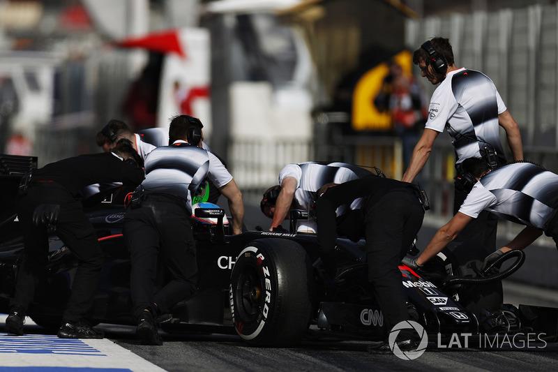 """Alonso se """"reencuentra"""" con los problemas"""