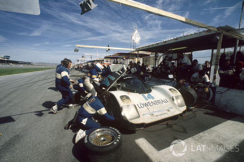 Chip Robinson, Derek Bell, Al Unser Jr., Porsche 962