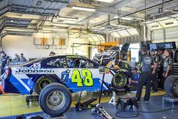 Jimmie Johnson, Hendrick Motorsports, Chevrolet Camaro Lowe's / Jimmie Johnson Foundation, crew members