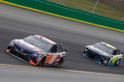 Denny Hamlin, Joe Gibbs Racing, Toyota Camry FedEx Office Jimmie Johnson, Hendrick Motorsports, Chevrolet Camaro Lowe's / Jimmie Johnson Foundation
