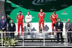 Победитель Себастьян Феттель, второе место – Валттери Боттас, Mercedes AMG F1, третье место – Кими Р