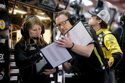 Ryan Blaney, Team Penske, Ford Fusion Menards/Richmond crew