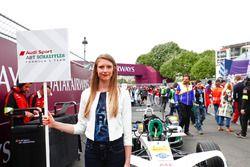 La grid girl de Lucas di Grassi, Audi Sport ABT Schaeffler