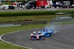 Tony Kanaan, A.J. Foyt Enterprises Chevrolet, Ed Jones, Chip Ganassi Racing Honda