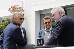 Hermann Tilke in gesprek met Deens politicus Helge Sander en Lars Seier Christensen, CEO, Seier Capital