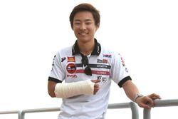 Tatsuki Suzuki, SIC58 Squadra Corse with broken arm