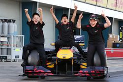 Grid Kids Toby, Lewis and Aiva