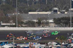 Chase Elliott, Hendrick Motorsports Chevrolet Camaro, crash, Danica Patrick, Premium Motorsports Chevrolet Camaro