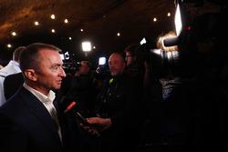 Paddy Lowe, Williams F1, talks to the media