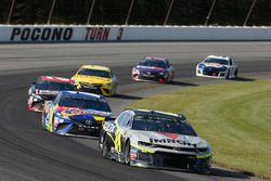 William Byron, Hendrick Motorsports, Chevrolet Camaro AXALTA/IMRON Kyle Busch, Joe Gibbs Racing, Toyota Camry M&M's Caramel