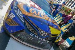 Kyle Busch, Joe Gibbs Racing, Toyota Camry M&M's Caramel in victory lane