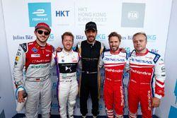 Il poleman Jean-Eric Vergne, Techeetah, festeggia con Daniel Abt, Audi Sport ABT Schaeffler, Sam Bir