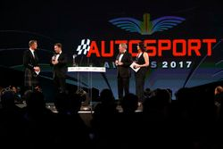 David Coulthard parle à Christian Horner, Team Principal, Red Bull Racing, Martin Brundle et Lee McKenzie